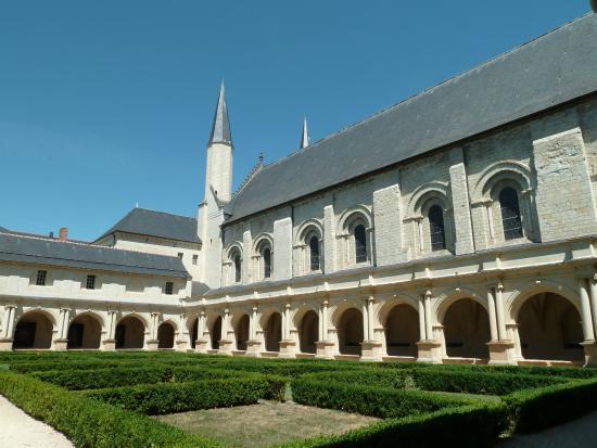 Les gisants picture of abbaye royale de fontevraud fontevraud l 39 abbaye tripadvisor - Hotel abbaye de fontevraud ...
