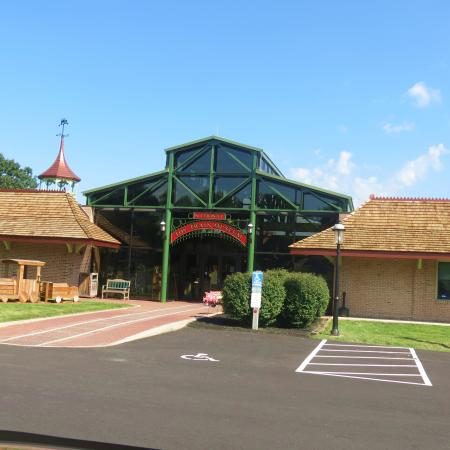 National Toy Train Museum : Love toy trains? Gotta visit this museum.