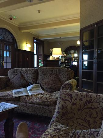 Mabie House Hotel: Relaxing after dinner!