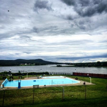Overkalix, Suécia: The pool and the river