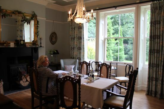 The Old Vicarage Bed and Breakfast: Breakfast in style