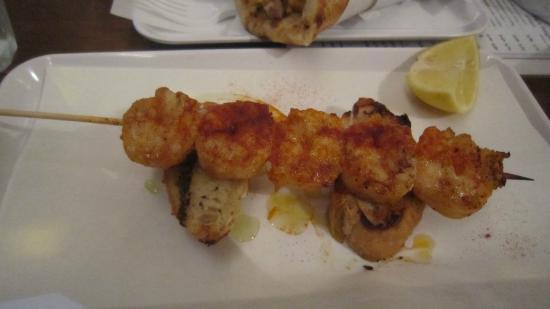 Sardelles: Shrimp on stick