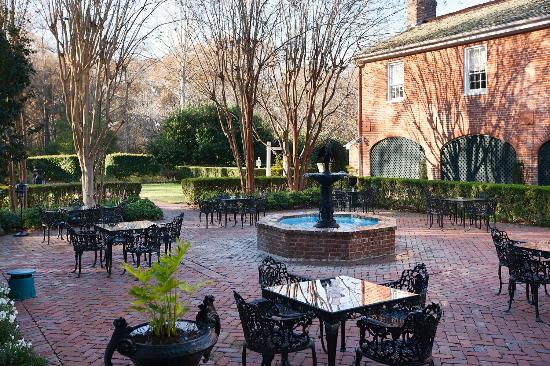 Natchez, MS: Courtyard