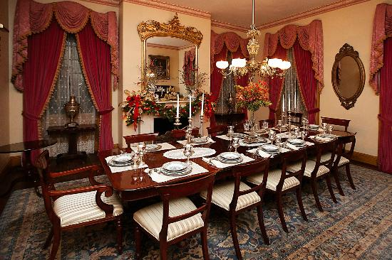 Natchez, MS: Formal Dining Area in Main House in Restaurant 1818