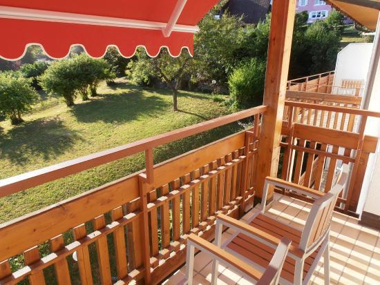 Hotel Neuenfels: Balcon de la chambre