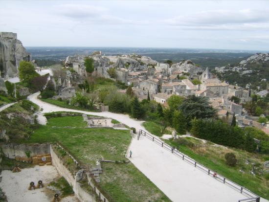 No comment picture of chateau des baux de provence les - Office du tourisme des baux de provence ...