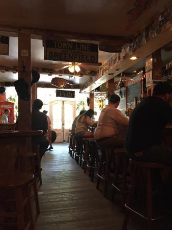 Harlow's Pub: photo0.jpg