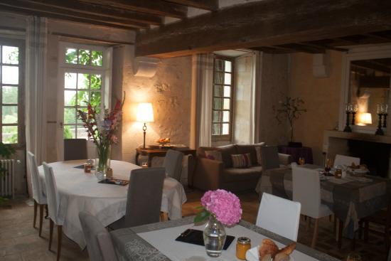 Chateau de Nazelles Amboise: La salle de petit déjeuner