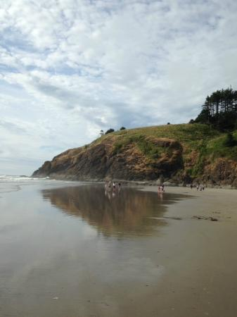 Ilwaco, WA: View of one of the lighthouses from the beach