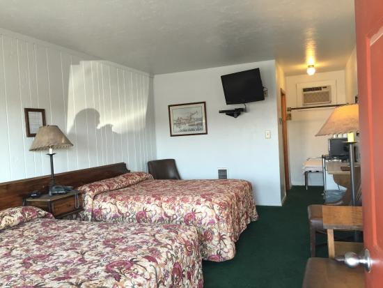 Highlander Motel & RV Park: Clean and comfortable room