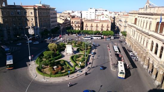 Bed and Breakfast Palermo Centro: Che vista sulla stazione!
