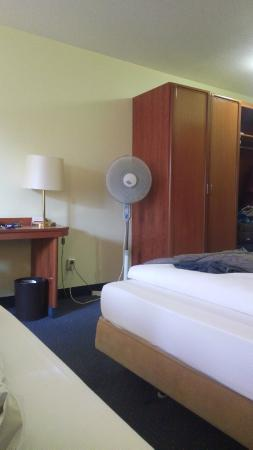 RAMADA Hotel Hockenheim: Fan only thing to keep you cool in the summer