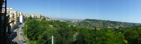 Harri's Hotel Chieti : Mountain view from our room