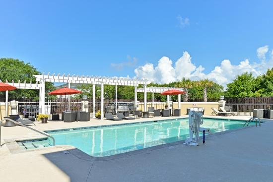 Hampton Inn & Suites Atlantic Beach: Outdoor Pool