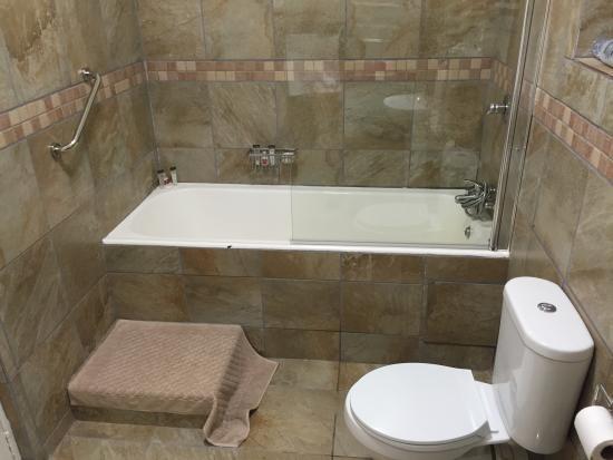 Bulembu Country Lodge: Bathroom