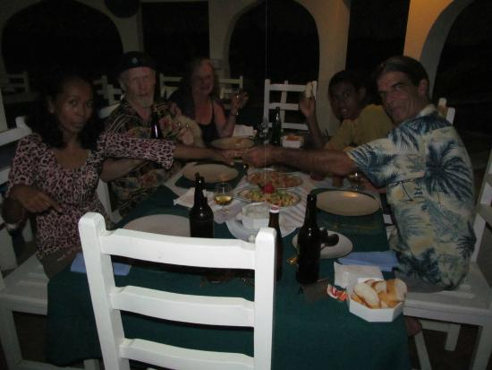 Chez Maggie Hotel : Dinner with the Family