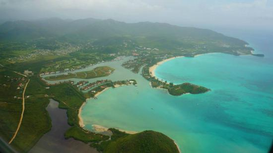Sandals Grande Antigua Resort & Spa: About to land in Antigua!