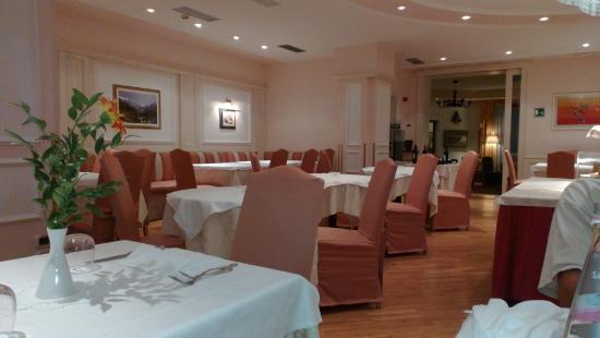 Hotel Dolomiti: sala ristorante