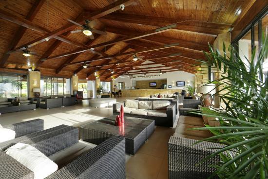 Viva Wyndham Fortuna Beach: Main Lobby