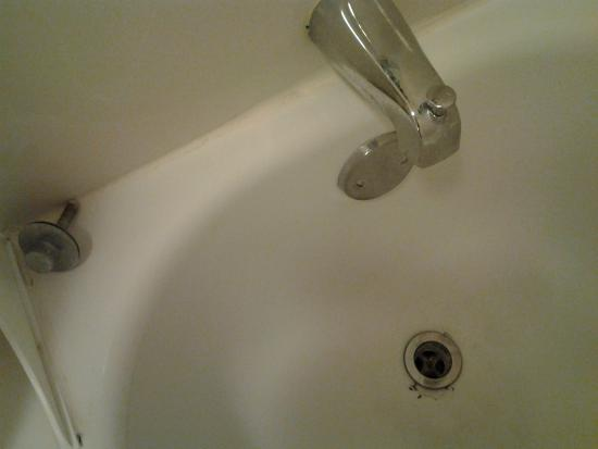 Quality Inn Wilmington: tub