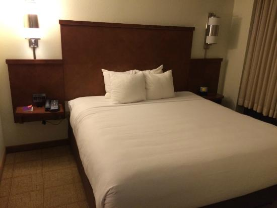 Hyatt Place Cranberry: King Bed
