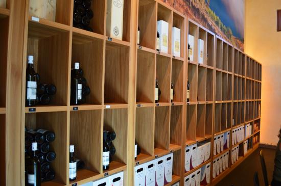 Les Freres Dubois: Look at all the wines!!