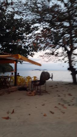 Pousada Refron du Mar: la petite plage devant l'hôtel
