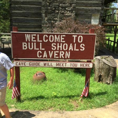 Bull Shoals Caverns: Enterance