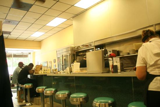 Busy Bee Restaurant : inside