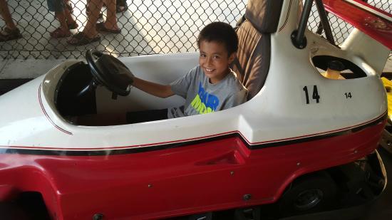 Jay Gees Ice Cream & Fun Center: go kart