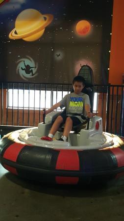 Jay Gees Ice Cream & Fun Center: bumper cars - lots of fun!