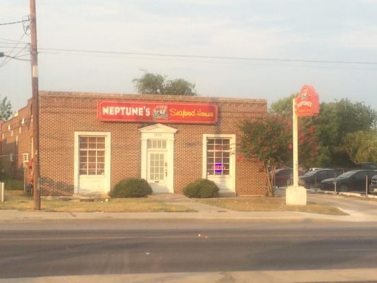 NEPTUNE'S SEAFOOD HOUSE, San Antonio - Restaurant Reviews, Photos & Phone  Number - Tripadvisor