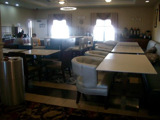 La Quinta Inn & Suites Bowling Green : breakfast area