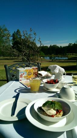 Splinters Guest House: Complimentary breakfast with a view