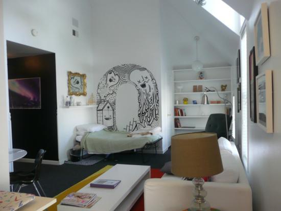 Queen Anne Bed Breakfast Local Artist Suite 4 Living Room