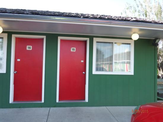 Welsh's Motel : look at theoutside of our room