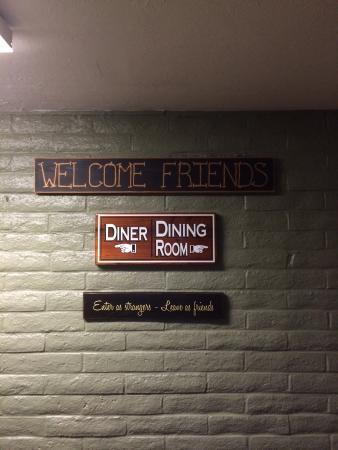 Mr V's Family Restaurant: Diner or Dining Room?