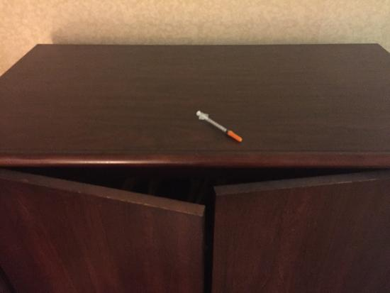 Ramada Limited Norfolk: Syringe/needle found by my 8 year old son 