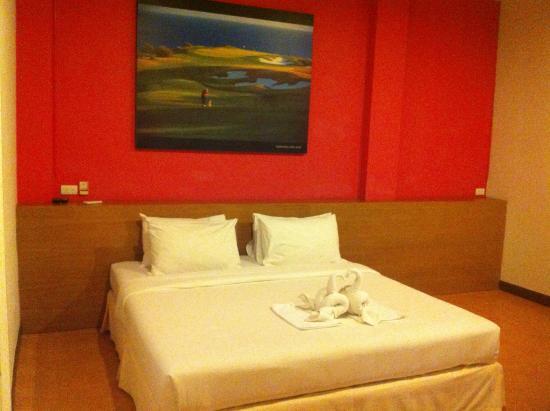 Palm Driving Range & Resort: Bed