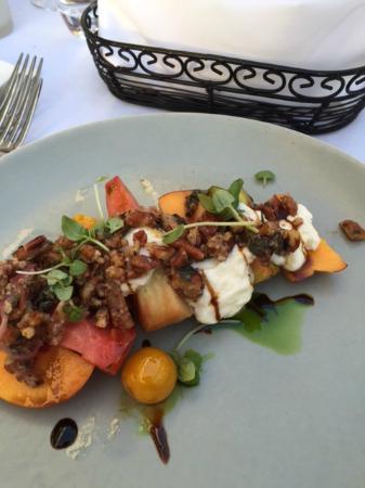 Менло-Парк, Калифорния: Nectarine-heirloom tomatoe salad