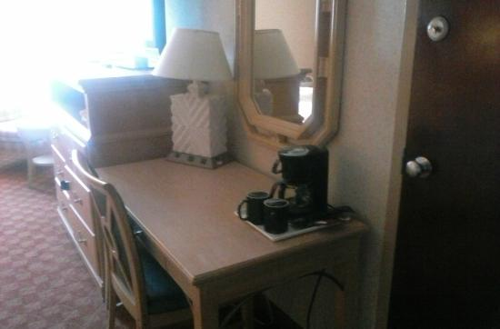 Newport Ambassador Inn & Suites: This is just the desk with the dresser next to it....plenty of room for clothes!