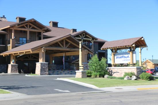 Worldmark West Yellowstone Hotel Main Entrance