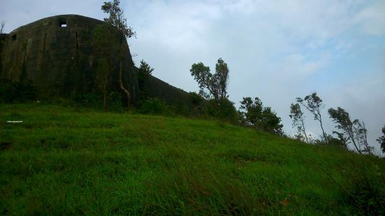 Rajhansgad Yellur Fort