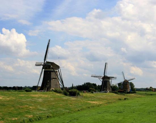 Leidschendam, The Netherlands: All three windmills