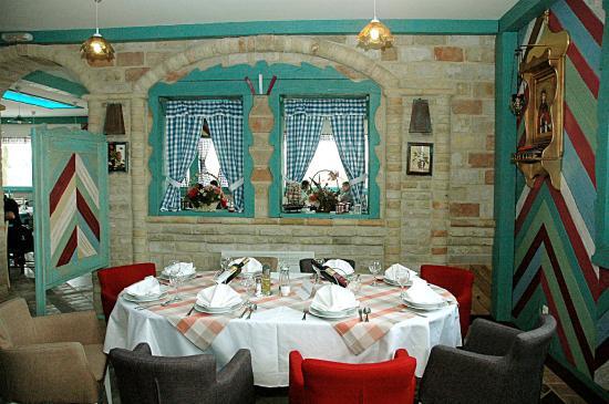 Bijeljina, บอสเนียและเฮอร์เซโกวีนา: Unutrašnjost restorana