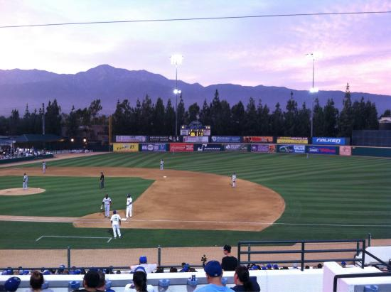 Rancho Cucamonga, CA: Beautiful view from first baseline