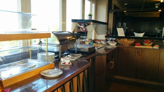 Hotel Mecklenheide : Da wir offenbar die einzigen Gäste sind, ist das Frühstücksbuffet sehr übersichtlich