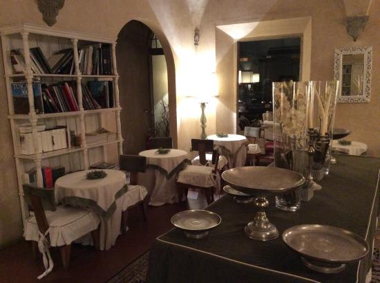J & J Historic House Hotel: Saletta colazione