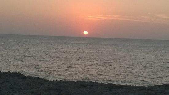 Vista puesta de sol a 2 min. del hotel a pie.