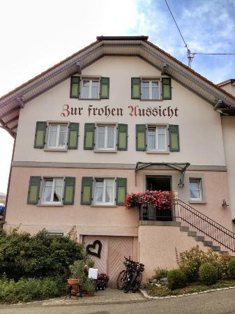 Zur Frohen Aussicht: Gasthaus Frontansicht